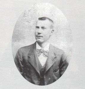 Gabriel Arguimbau Ferrer en un retrato probablemente hecho en Marsella hacia 1915. Foto: Alberto Coll Arredondo.