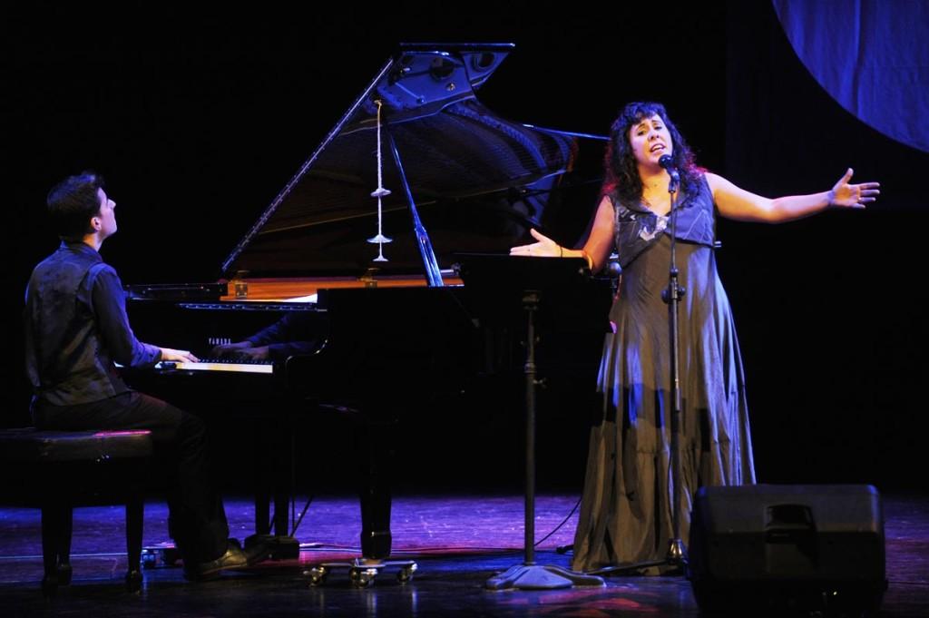 Marco Mezquida y Celeste Alías han llenado de público el teatro del Orfeó con su 'Llunàtics'. Foto: Tolo Mercadal.