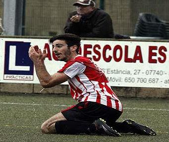 Elliot, en un reciente partido del Mercadal (Foto: deportesmenorca.com)