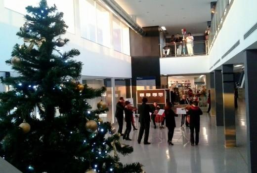 El octeto de la OCIM en el Mateu Orfila, en la tarde de este miércoles 30 de diciembre. Foto: JJMM Maó.