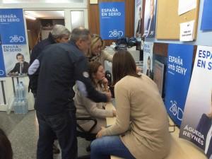 Máxima atención a las noticias del escrutinio en la sede del PP de Menorca
