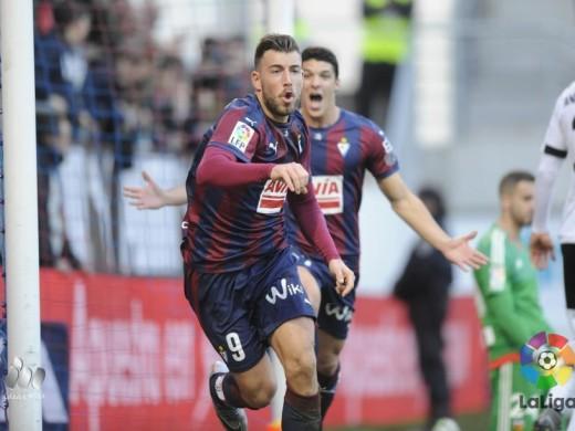 Otro gol de Sergi Enrich, pero el Valencia empata en Eibar en los postres