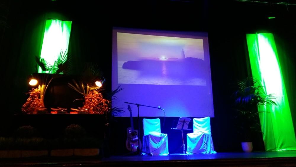 El escenario de la gala antes de entregarse los galardones.