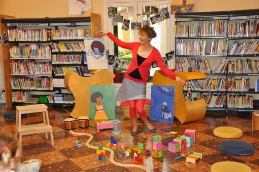 Gemma Moll estrena la gira con 'Ballar amb els núvols este miércoles en Maó. Foto: www.bibliomenorca.net