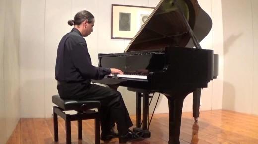 El pianista Xavi Tortosa, en una imagen capturada de uno de sus vídeos de Youtube.