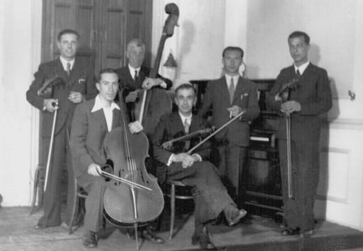 Una de las fotografías históricas que el Grup Filharmònic de Maó ha publicado en su Facebook del centenario.