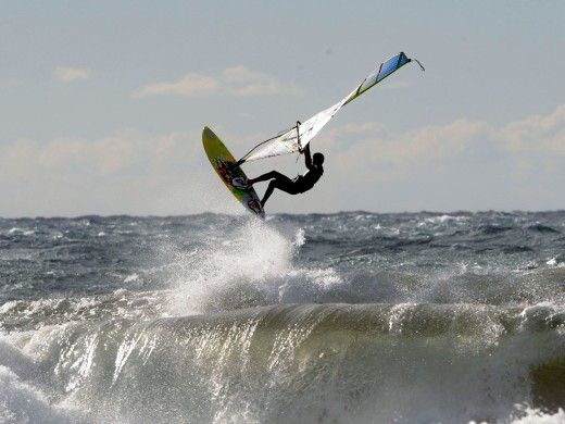 Olas y windsurf en Son Bou