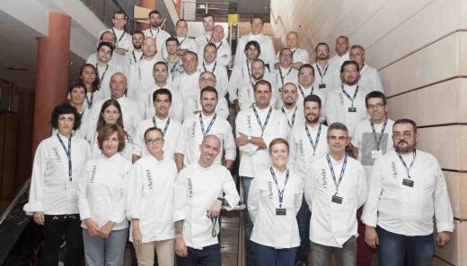 Algunos de los cocineros que se integran en Chefs(in), en una foto de sus inicios. Foto: Chefs(in).