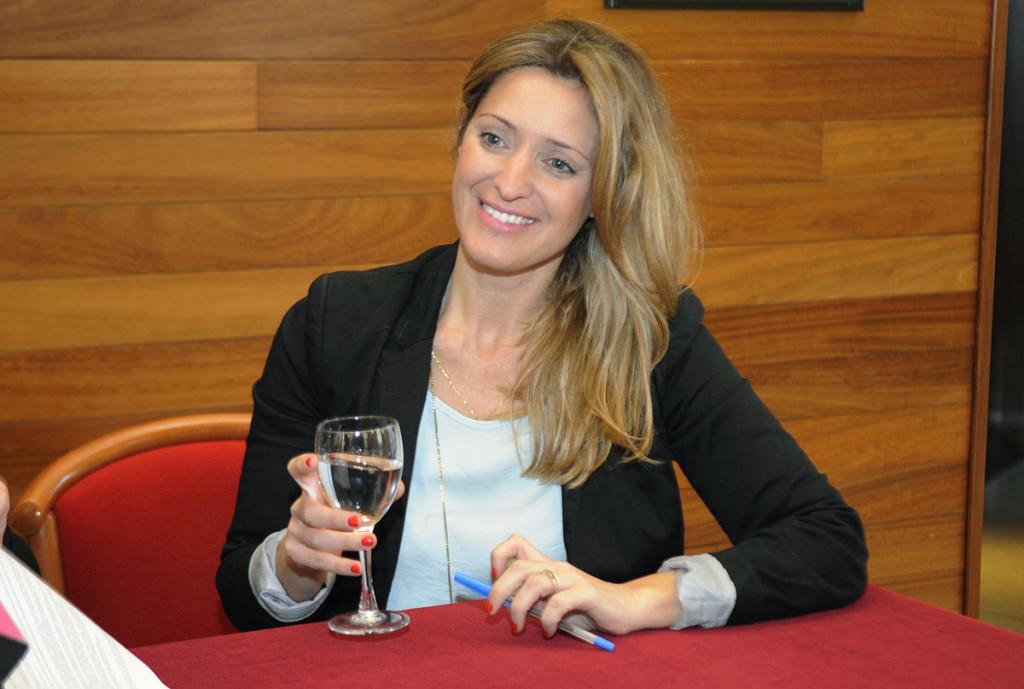 La nueva gerente del Teatre Principal de Maó durante los próximos 3 años, Àngela Vallés. Foto: Tolo Mercadal.