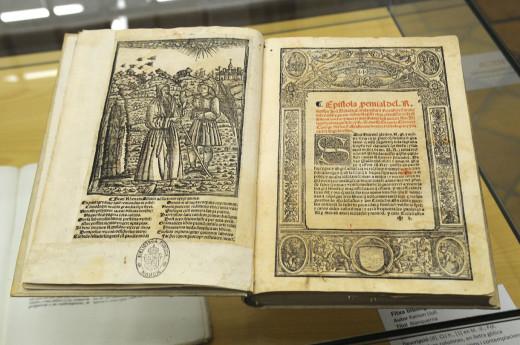 El 'Llibre d'Evast e Aloma' es una joya bibliográfica, una edición de 1521 de la novela que Ramon Llull escribió en 1283. Foto: Tolo Mercadal.
