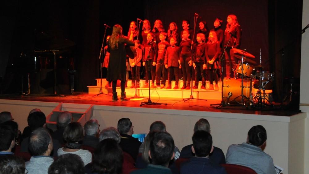 Momento de la actuación de Small Gospel de Sa Fàbrica de Músics. Fotos: Tolo Mercadal.