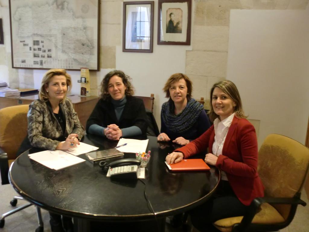 Imagen de la firma del acuerdo (Foto: Ajuntament d'Alaior)