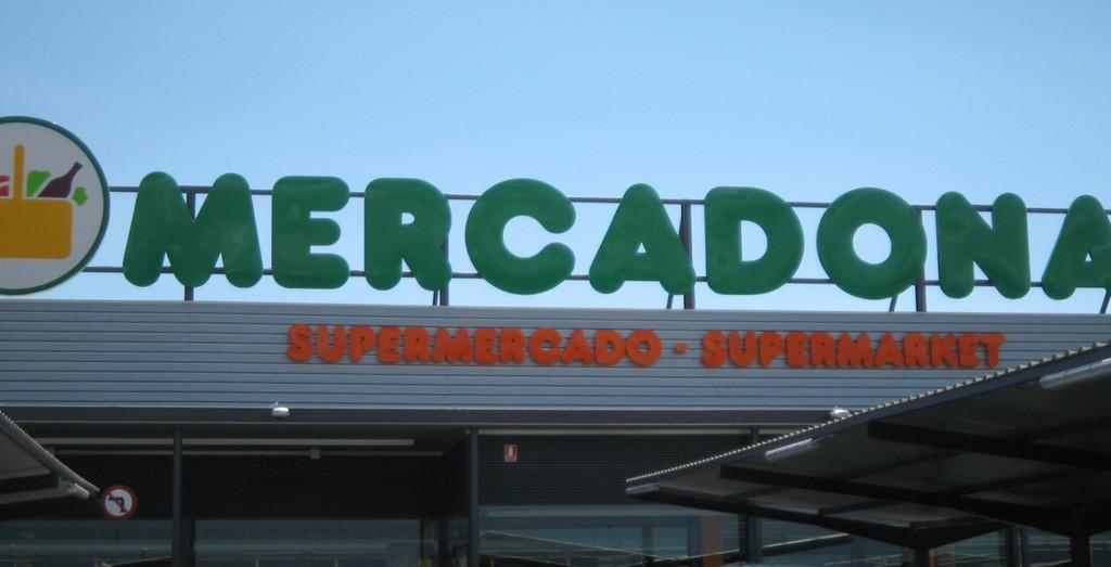 Imagen de la fachada de un supermercado de Mercadona.