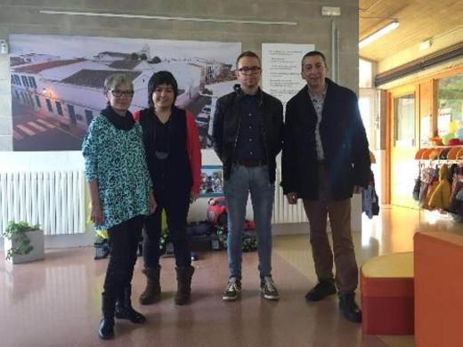 Momento de la visita del conseller eivissenc de Educació en una de las escoletas de Maó. Foto: CIM.