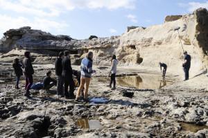 Además de en la Cala Sant Esteve, en las imágenes, en Menorca también han rodado en sitios como Favàritx, Sa Mesquida, Es Canutells o Torralba d'en Salort.