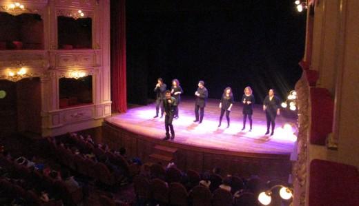 Cap Pela en su concierto de este jueves 17 de marzo en el Principal de Maó. Foto: Govern balear.