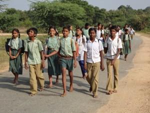 Estudiantes de la región de Madakasira en la India. Foto: Fundació Vicenç Ferrer.