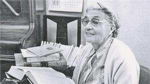 María Moliner.