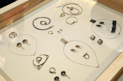 Algunas de las joyas que integran la exposición. Foto: Tolo Mercadal.