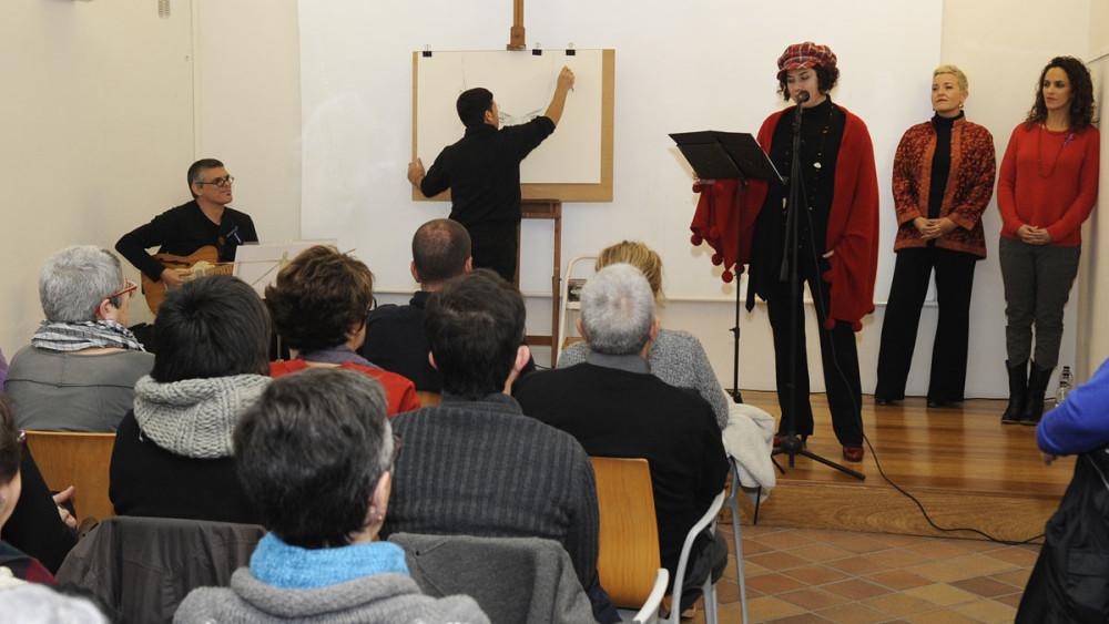Los poemas se han combinado con la música y los dibujos en directo. Foto: Tolo Mercadal.