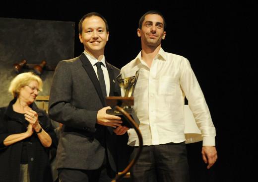 Rafel Pallicer, presidente del Cercle Artístic, junto a Sergio Martínez, ganador del Premi Born 2015, el día de la entrega del galardón. Foto: Tolo Mercadal.