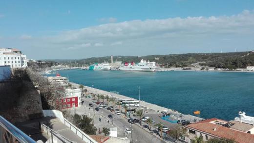 Uno de los proyectos ganadores es el que propone la instalación de aparatos de recogida de plásticos en los puertos de la Isla.