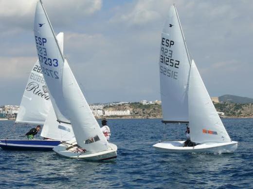 Momento de una de las regatas (Fotos: noudiari.es)