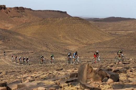 Momento de la sexta etapa disputada en el desierto de Marruecos (Fotos: Titan Desert)