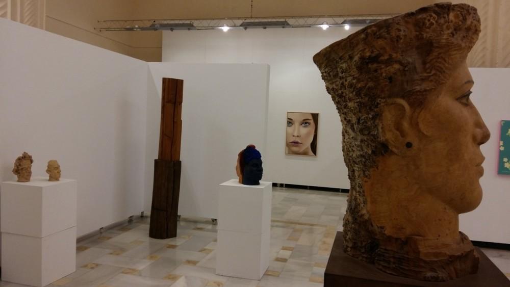 El gran 'Cap de Freixe' de Matías Quetglas (derecha) ocupa un lugar preferente en esta exposición.