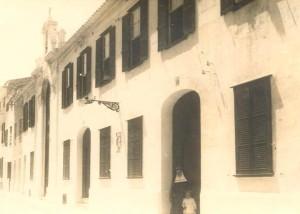 Fachada del edificio en una imagen de hace unos años. Foto: Cormar Maó.