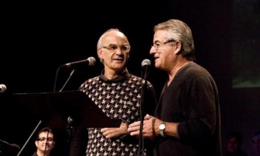 Tòful Mus (derecha) y Lluís Mangado el día de la presentación del cancionero 'Escolta es vent' en el Principal de Maó. Foto: arrelsdemenorca.blogspot.com.es
