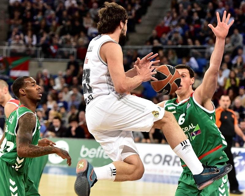 Llull penetra en una acción del partido (Foto: Euroleague.net)