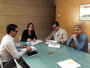 Susana Mora y Juan Carlos Fernández suscribieron un acuerdo de colaboración.