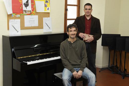 Fèlix Ferrer, presidente de JJMM de Maó (sentado) y Alexander Hopkins, colaborador del Festival de Música de Maó. Foto: Tolo Mercadal.