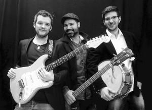 Joe Mina, voz y bajo, Marti Genestar, guitarra, y Eduard Florit, batería, integran AirBlues-340. FOTO.- Menorca Jazz