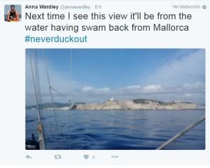 El equipo de la nadadora informa del transcurso de la etapa en la red social Twitter.