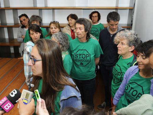 20 personas piden al Ibavi una vivienda para Juan y Carmen