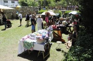 """El """"mercat de coses maques"""" ha ofrecido propuestas muy creativas. FOTO.- Tolo Mercadal"""