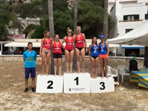 Podio de voley playa femenino.