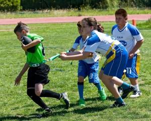 Laura Ribera cazando un flag de un jugador e Celtas en el partido decisivo de la final a tres.