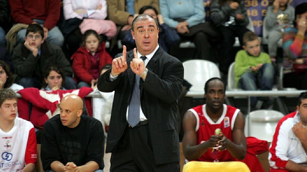 Quino Salvo, durante su etapa como entrenador.