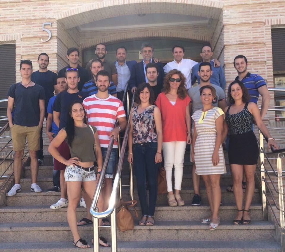 Vicente Martínez, en la parte superior el primero por la derecha, tras su ponencia en Murcia.