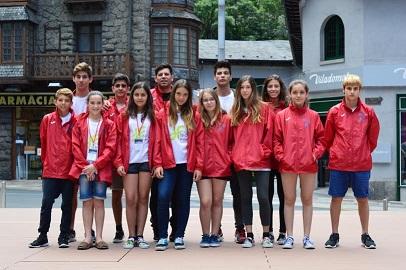 Foto de familia del Físics Ciutadella en Andorra.