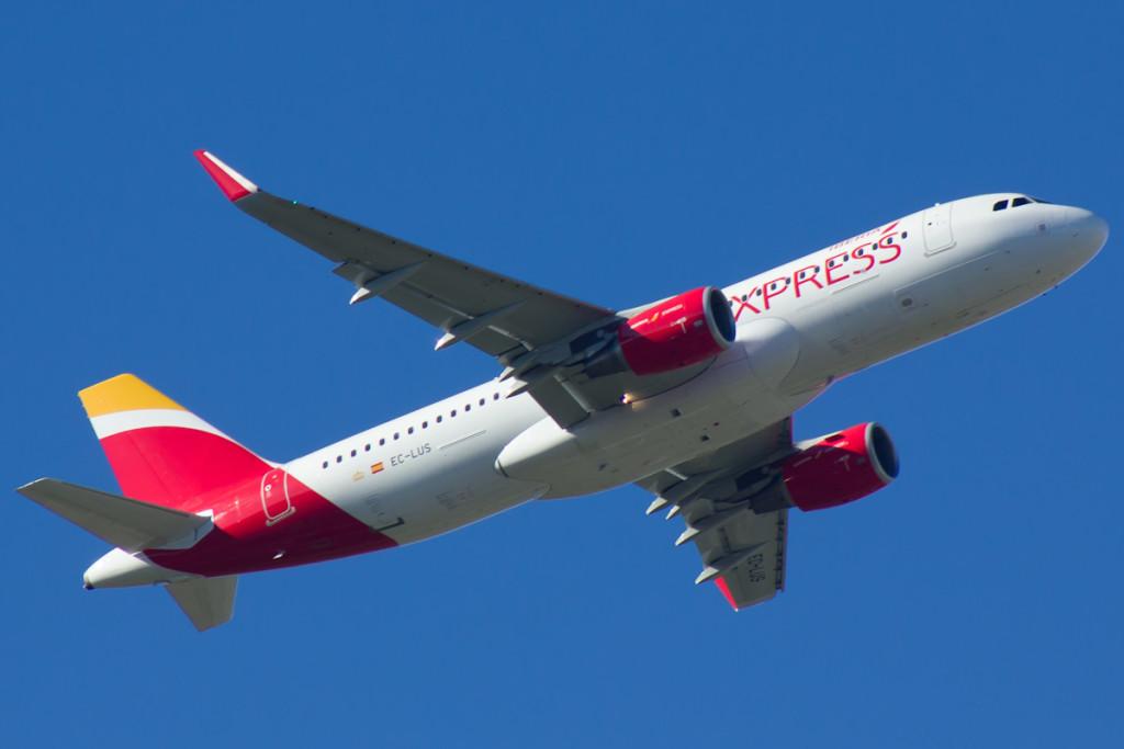Iberia Expres volará diariamente entre Menorca y Madrid este verano.