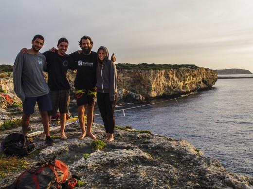 (Galería de fotos) Récord mundial de slackline sobre el agua en Cala Rafalet