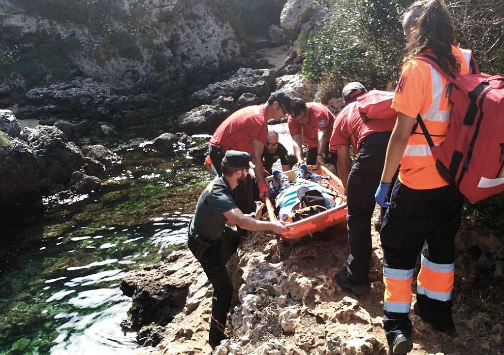 Un momento del rescate de Cala Rafalet.