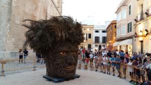 La Cara Vegetal antes de ser quemada en la plaza de la Catedral.