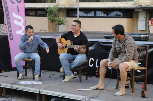 Glosadores de Soca de Mots durante una actuación en Maó. (Foto: Tolo Mercadal)