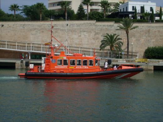 La Salvamar Aldebarán participó en el rescate.