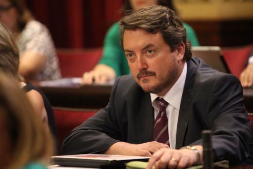 Toni Camps, en el Parlament.